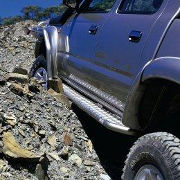 Силовые пороги с защитой крыла ARB Toyota Hilux 1997-2005