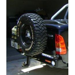 Выносной крепеж запаски левый Toyota Hilux 2005-...